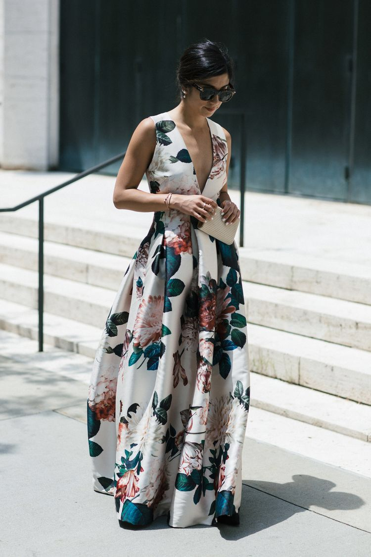 Love the style and cloth  Kleider hochzeit, Hochzeitsgast outfit