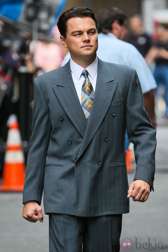 leonardo dicaprio on the set of the wolf of wall street on the wolf of wall street id=50372