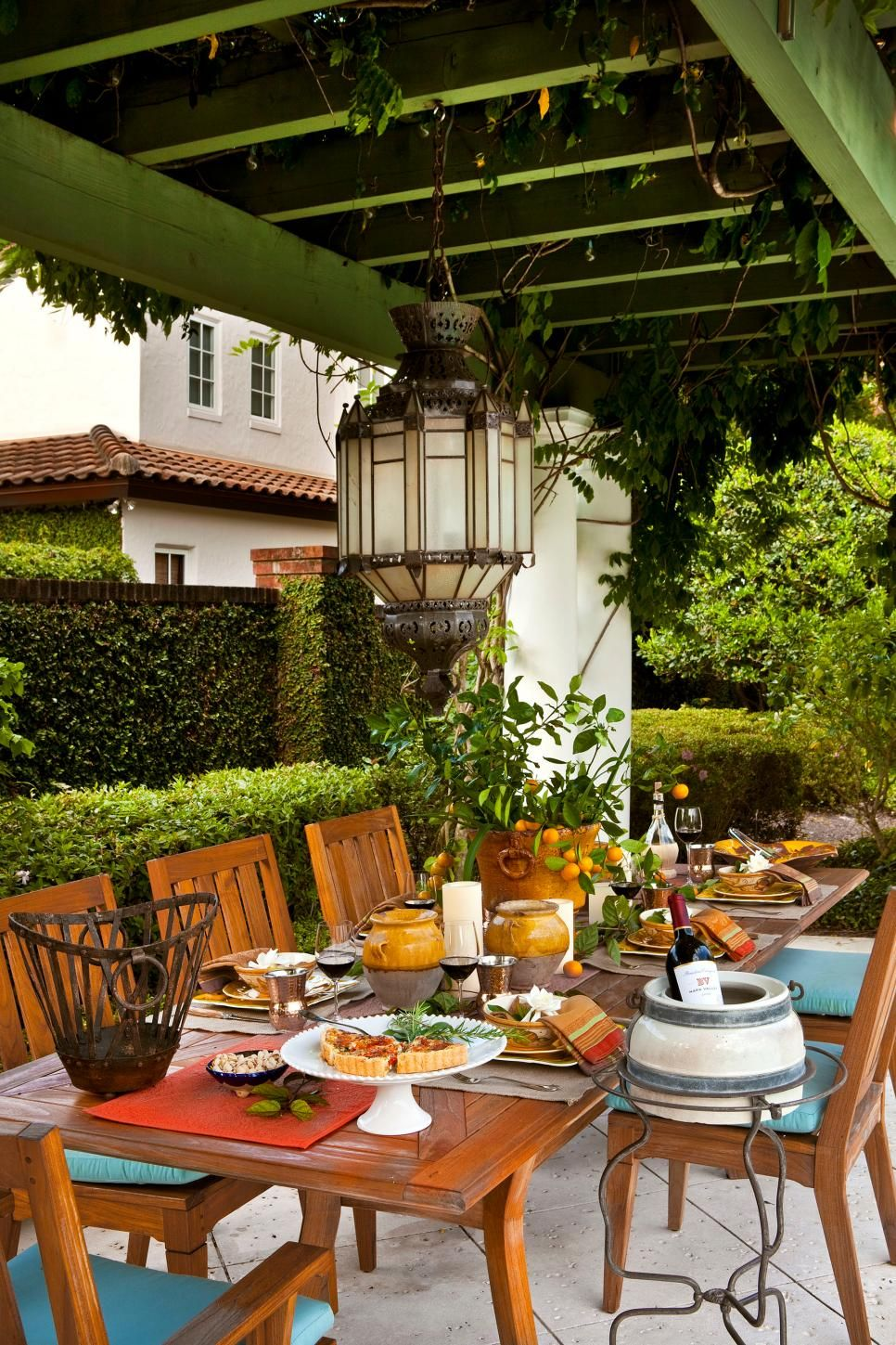 Outdoor Dining Room With Rustic Accents Outdoor Dining Room Outdoor Dining Spaces Outdoor Dining