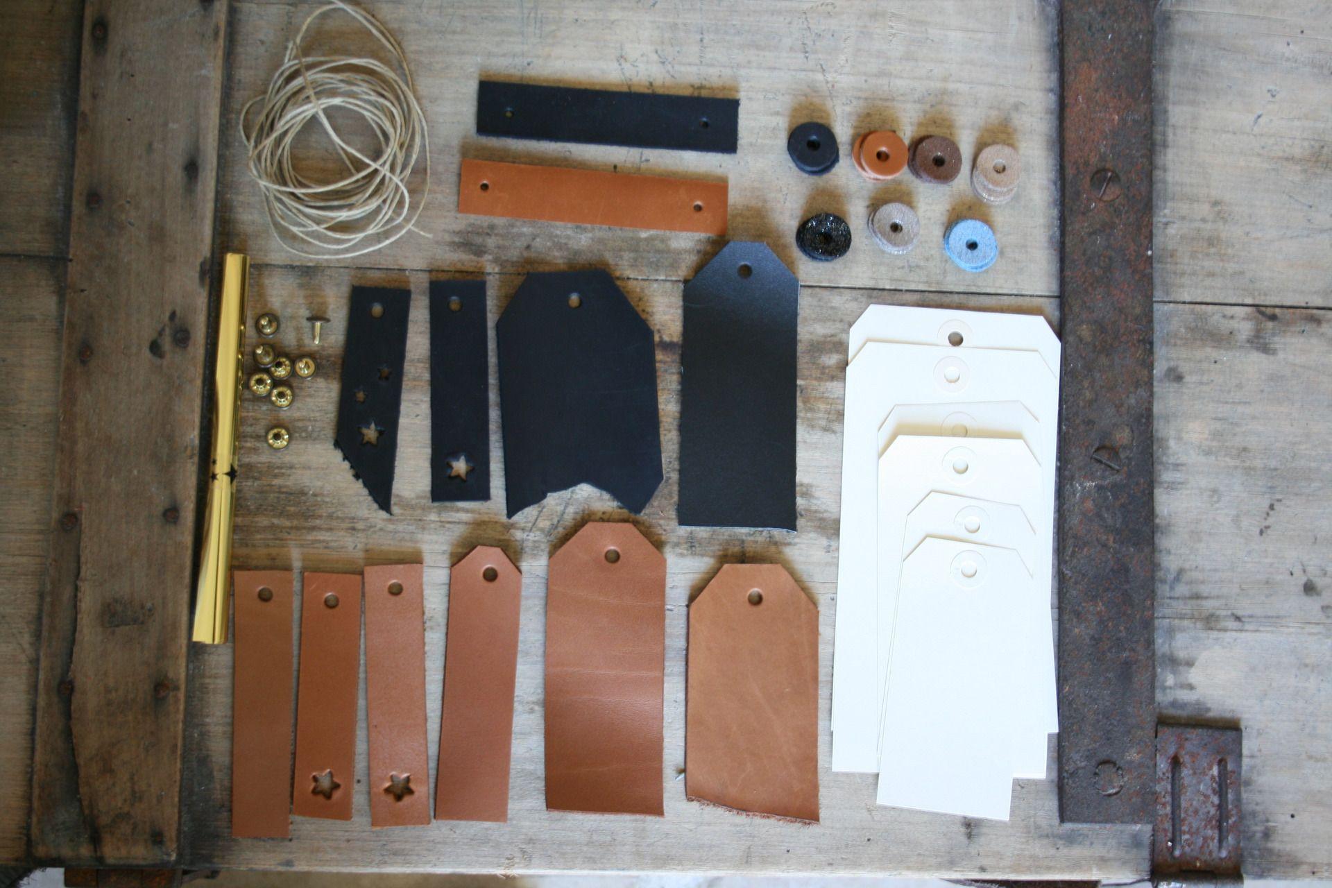 kit d'étiquettes en cuir pour emballage cadeaux