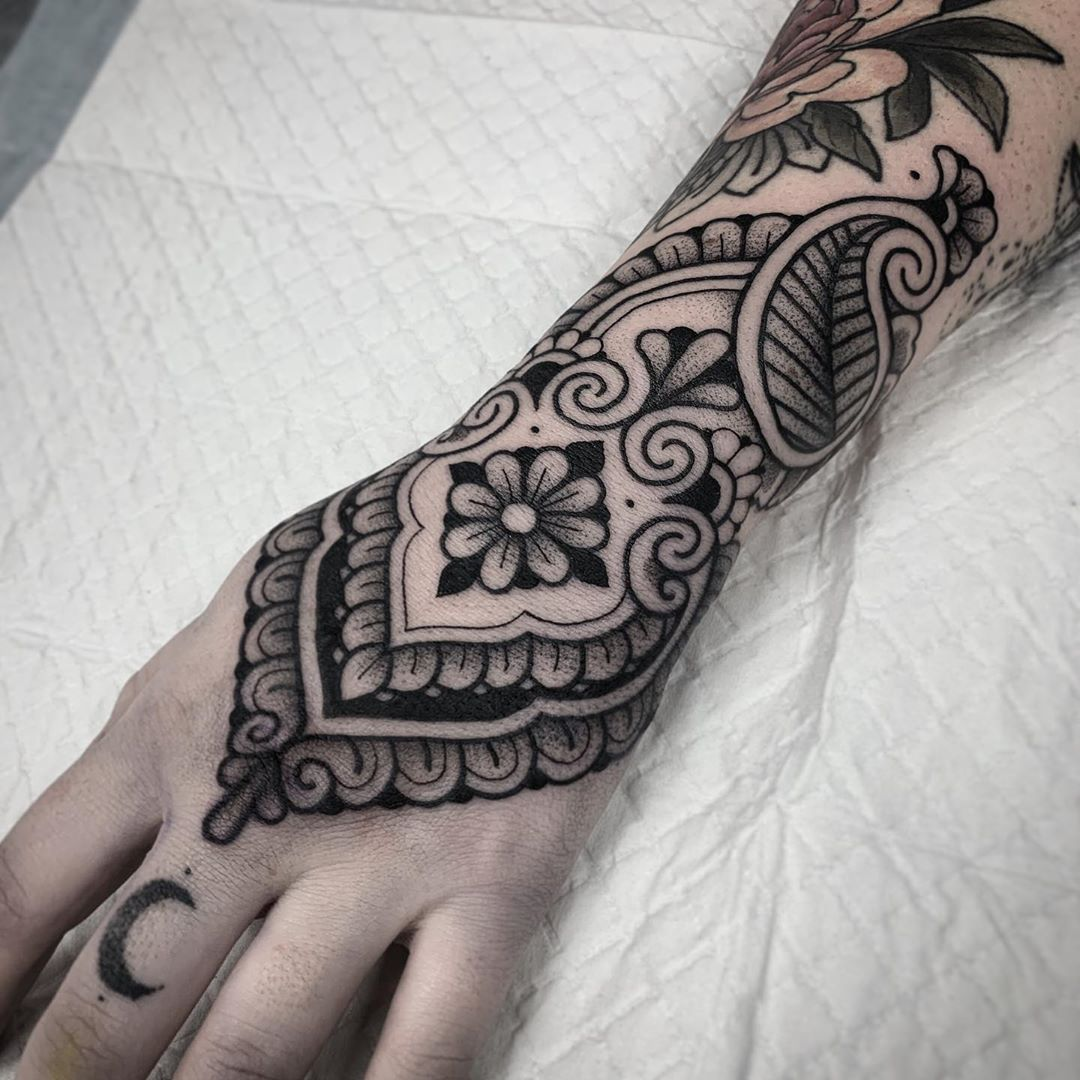 Ornamental Tattoo Artist Jack Peppiette An Ornamental Tattoo Artist Jack Peppiette Was Continue Reading And For Hand Tattoos For Women Tattoos Famous Tattoos