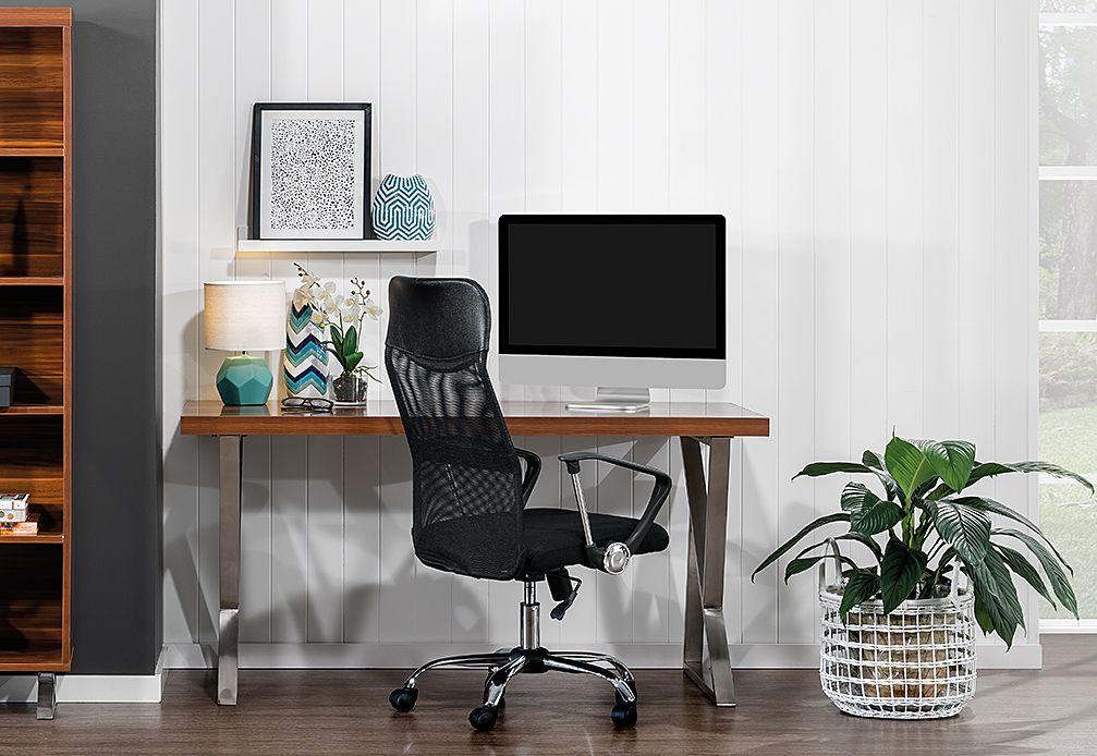 Maple 1500 Desk Super Amart