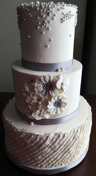 edible pearls for wedding cakes 3 tier buttercream wedding cake decorated with buttercream 13909
