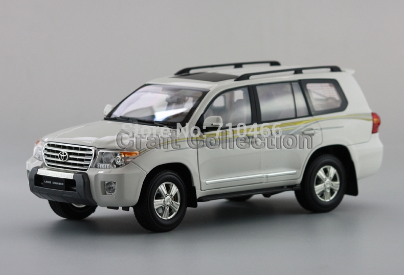 66.80$  Buy now - http://ali8ia.worldwells.pw/go.php?t=2053604771 - Hot White 2012 1:18 New TOYOTA Land Cruiser LC200 Diecast Model Cars Jeep SUV