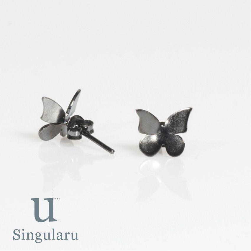 ¡PERSONALIZALOS! Pendientes hechos a mano en plata, disponible bañado en oro y en rutenio, en tres tamaños. www.singularu.com