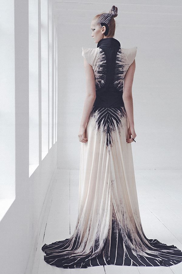 McQueen | Fashion, Couture fashion, Futuristic fashion