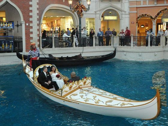 The Venetian Wedding Gondola Resort American Sky This Is What It Looks Like When They Are Conducting Ceremony So