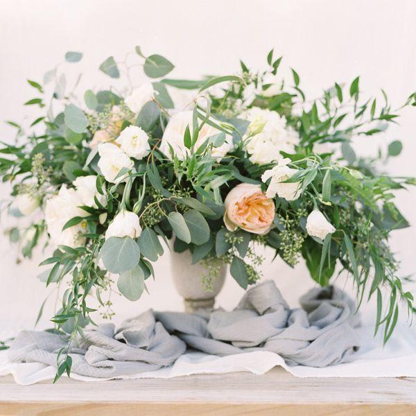 Ruffled - photo by Ben Q Photography http://ruffledblog.com/easy-romantic-wedding-inspiration