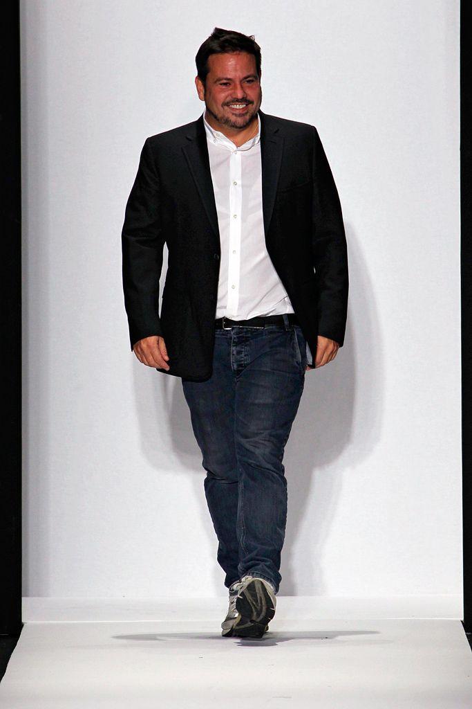 Narcisco Rodriguez - Cuban. Designing Carolyn Bessette\'s wedding ...