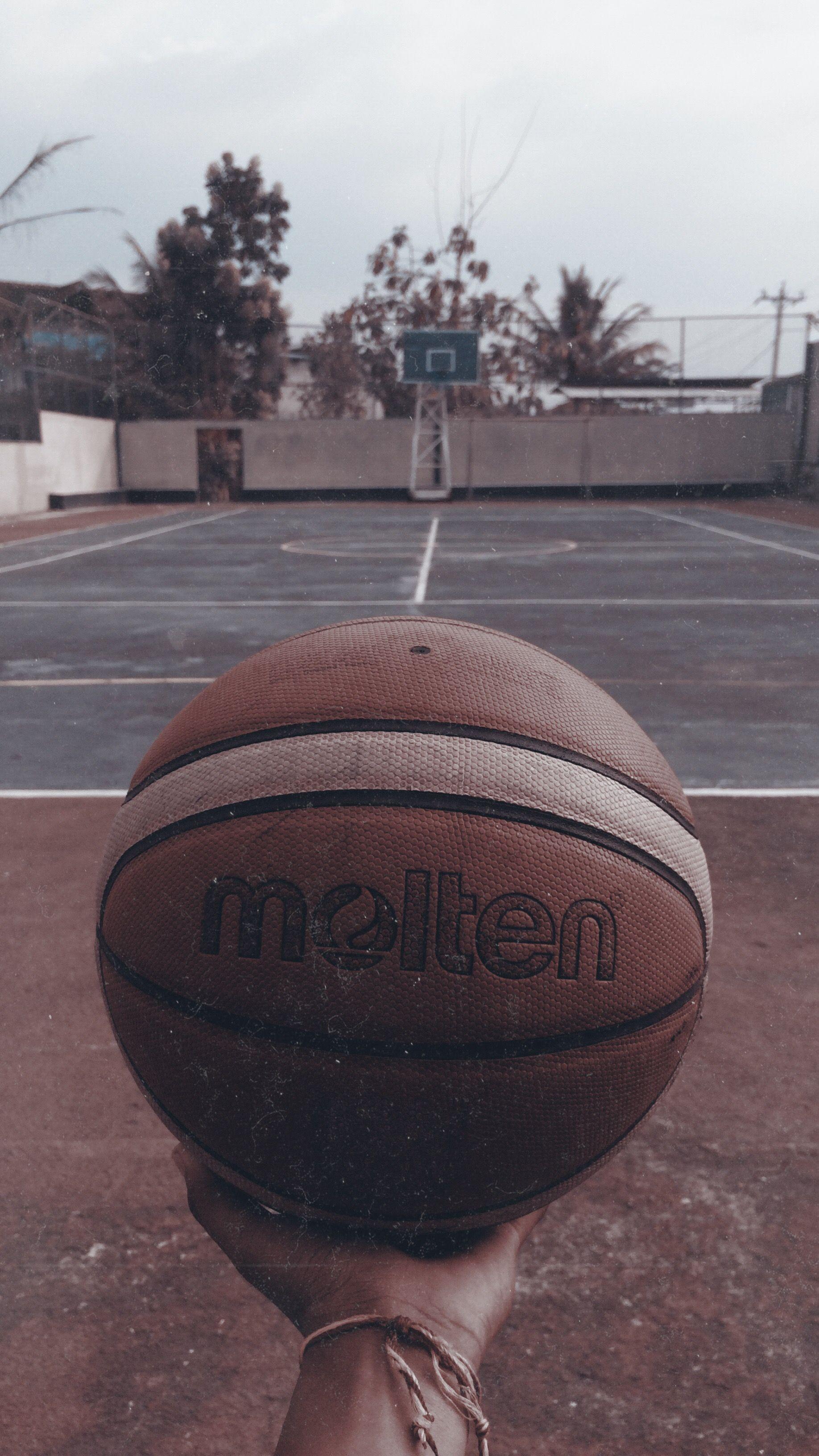 3 Bahan dari Bola Basket yang Perlu Kamu Tahu | BukaReview