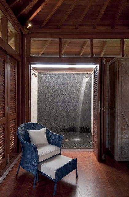 A Perfectly Private Outdoor Shower Love It Tropical Bathroom Bathroom Shower Doors Interior