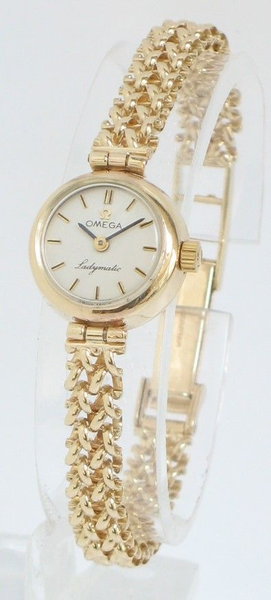 EXQUISITE SOLID 9ct GOLD LADIES OMEGA LADYMATIC AUTOMATIC COCKTAIL WATCH
