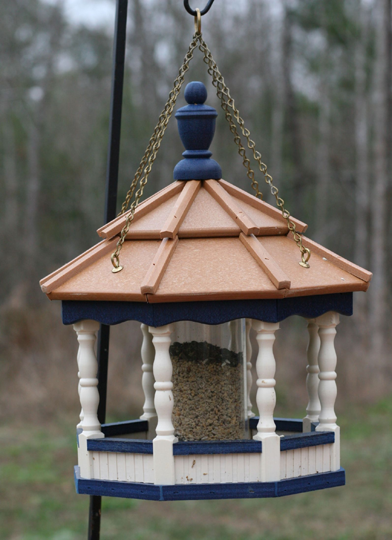 Best Go Green Small Hanging Spindle Feeder W Cedar Roof Ivory 400 x 300