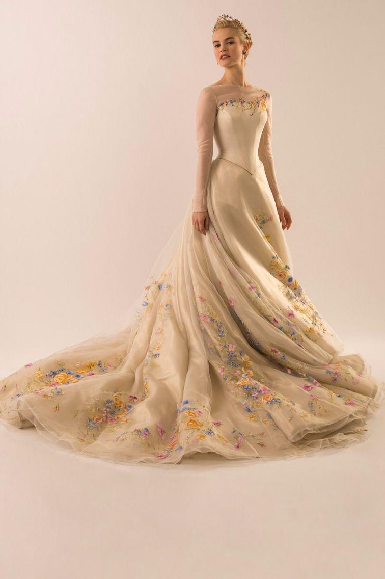 The most wonderful Cinderella (lily James) Cinderella Wedding Dresses 7f1cfc82de94