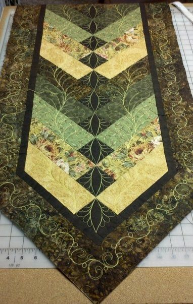 French Braid Table Runner Pattern : french, braid, table, runner, pattern, French, Braid, Quilt?, Motion, Quilt, Designs,, Quilts,