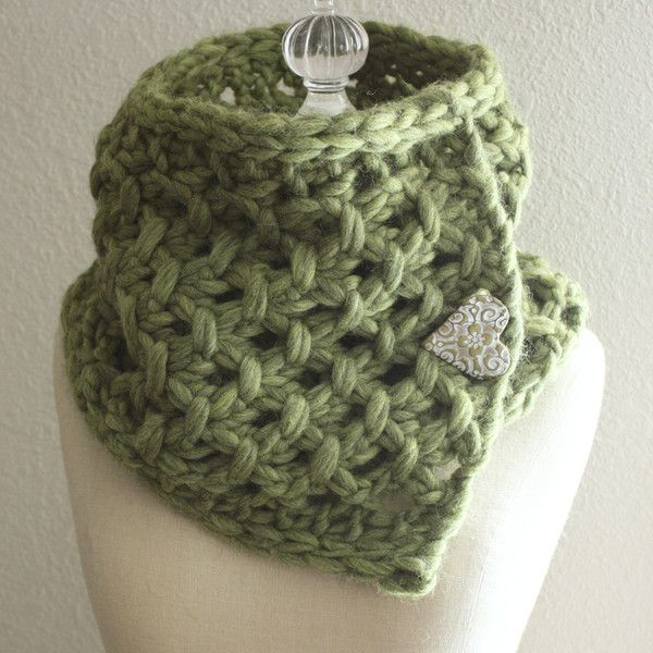 Lattice Cowl / Scarf Knitting Pattern | Super bulky yarn, Knit wear ...