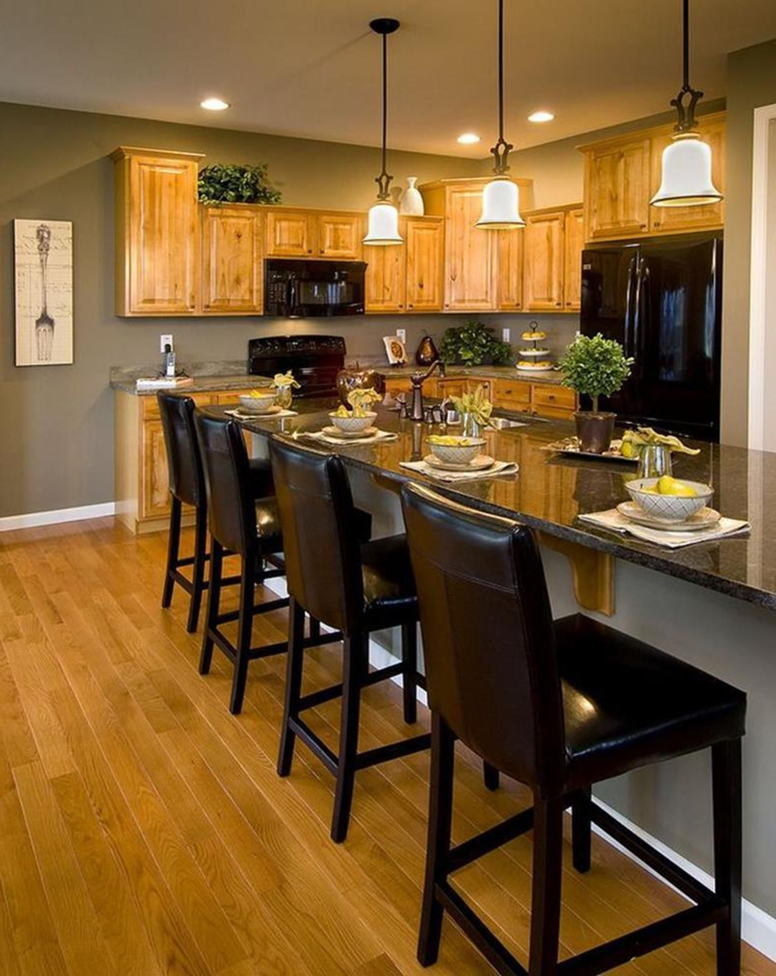 20 perfect kitchen wall colors with oak cabinets for 2019 on good wall colors for kitchens id=38171