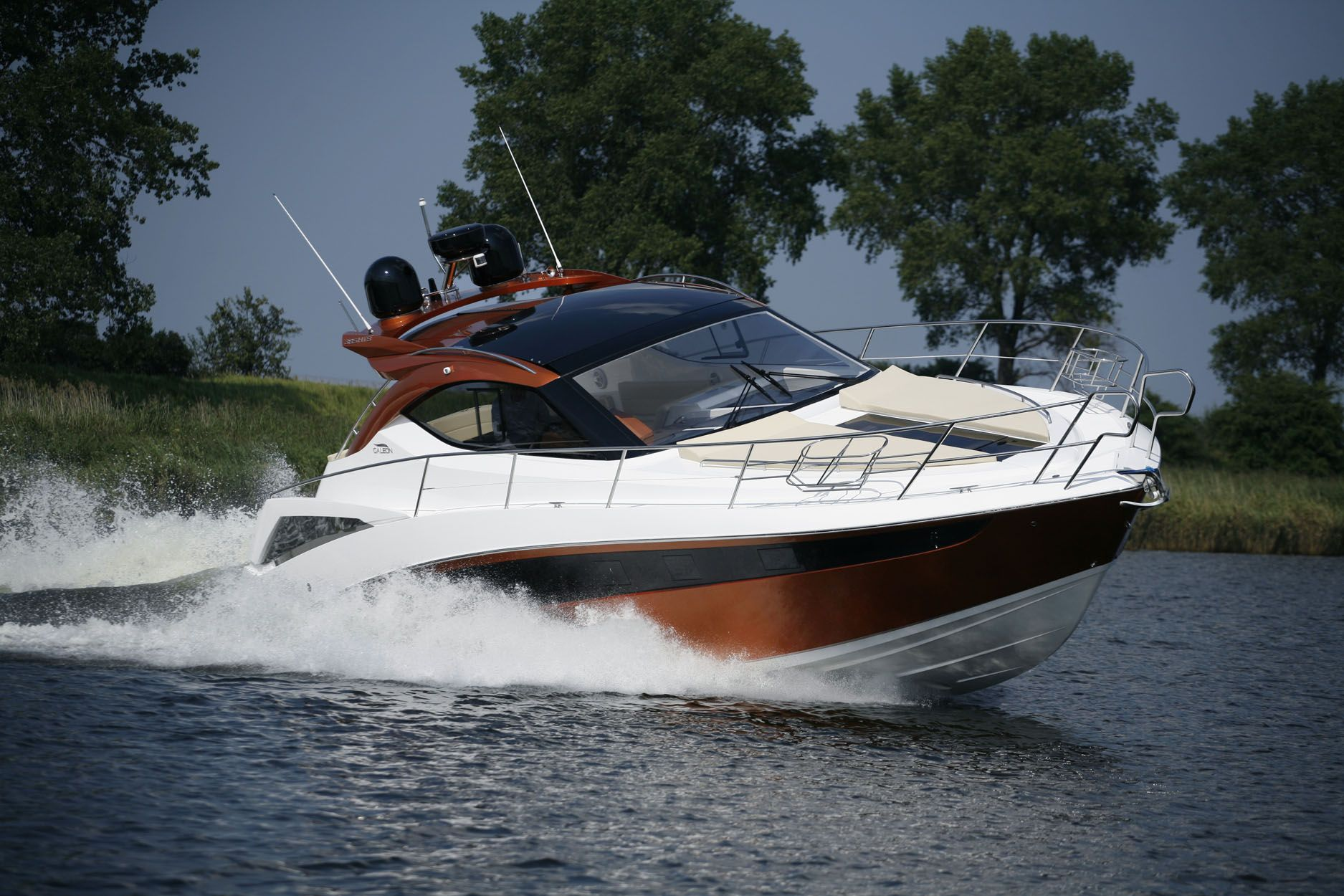 Galeon 385 Motor Boat With Images Boat Boats Luxury Motor Boats