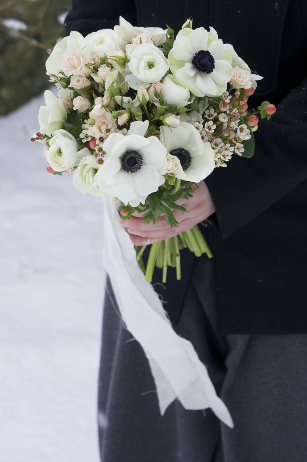 bouquet an mones roses branchues rose p le wax rose et. Black Bedroom Furniture Sets. Home Design Ideas