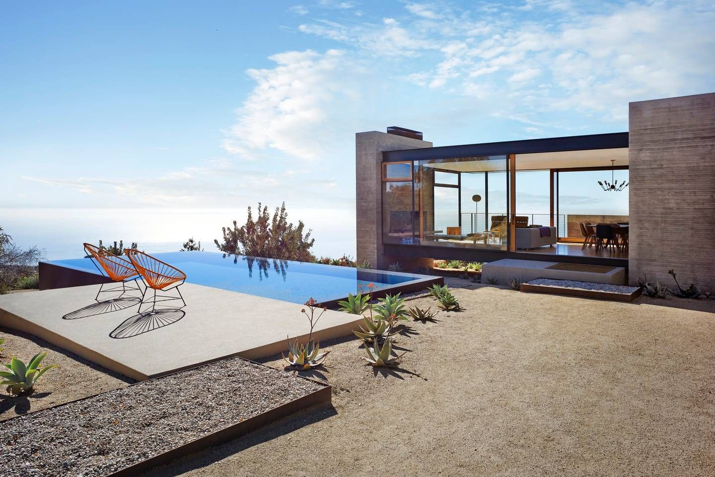 7 Airbnb Malibu Rentals For A Coastal Escape Oceanfront Cottage Mansions Retreat House