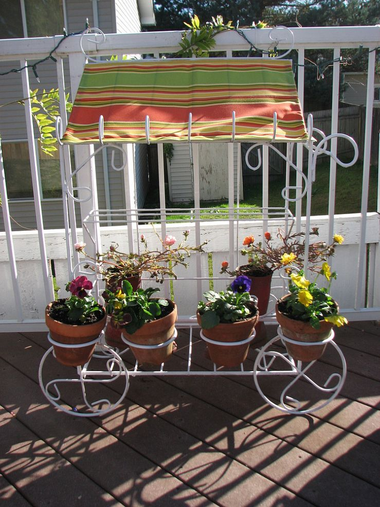 Flower Cart. From rusty to cute as can be. Flower cart