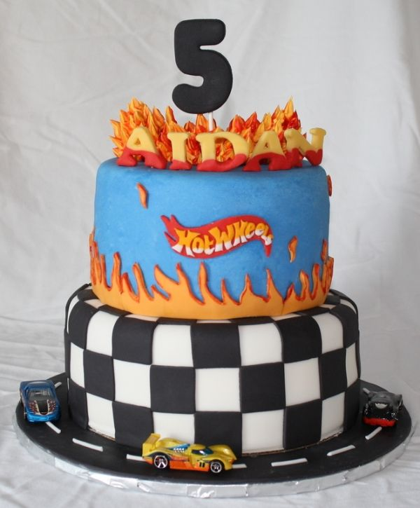 hot wheels cake sending happy thoughts kalebs bday 4862