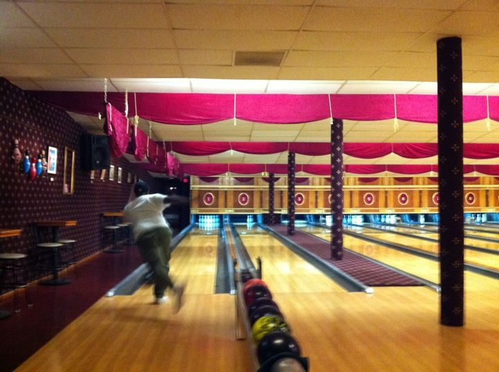 Arsenal Lanes The Coolest Retro Bowling Alley In The U S Home Bowling Alley Bowling Bowling Center