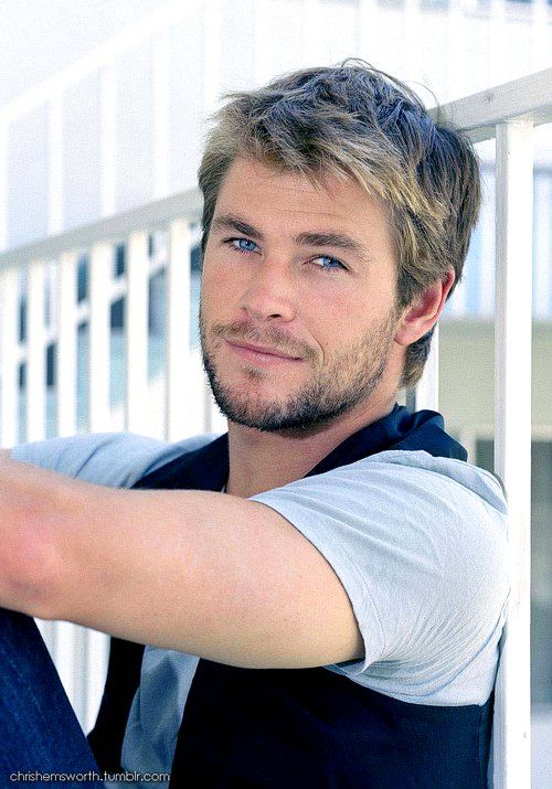 Hello Chris Hemsworth :) (With images) | Hemsworth, Chris ...