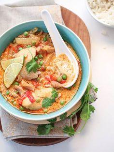 Sopa de pollo Tailandesa.