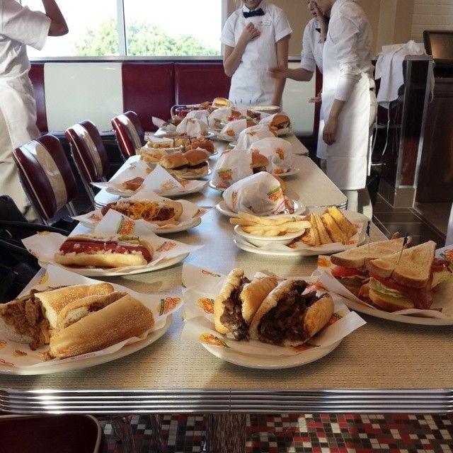 Photo Credit: @emmanueelbridge via Instagram #JohnnyRockets #BYOB #hamburgers #AllAmerican #lunch #dinner #eat #customhamburgers #shakes #fries #onionrings #desserts #sandwich #burgers