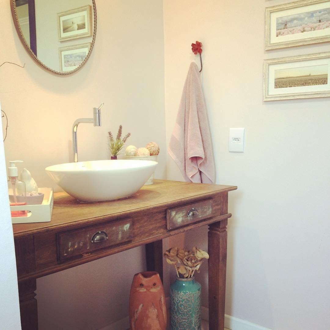 O lavabo. #minhacasa #lavabo #madeirademolicao #sitecasaaberta #banheiro #decoracao #decor #interior