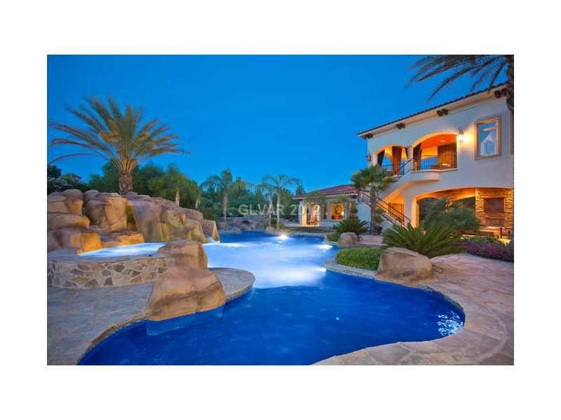 Las Vegas Homes With Astounding Pool On 30 Golf Estates Dr