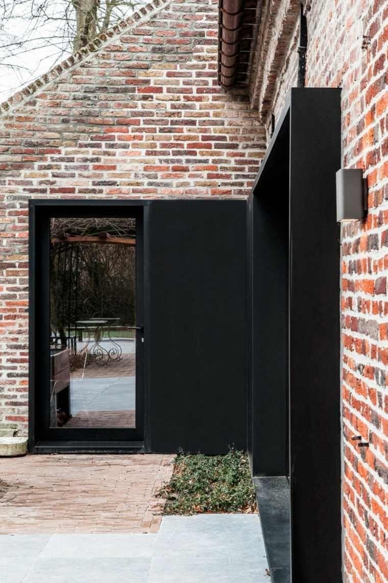 vieille ferme en brique transform e en espace moderne et design fa ades briques pinterest. Black Bedroom Furniture Sets. Home Design Ideas