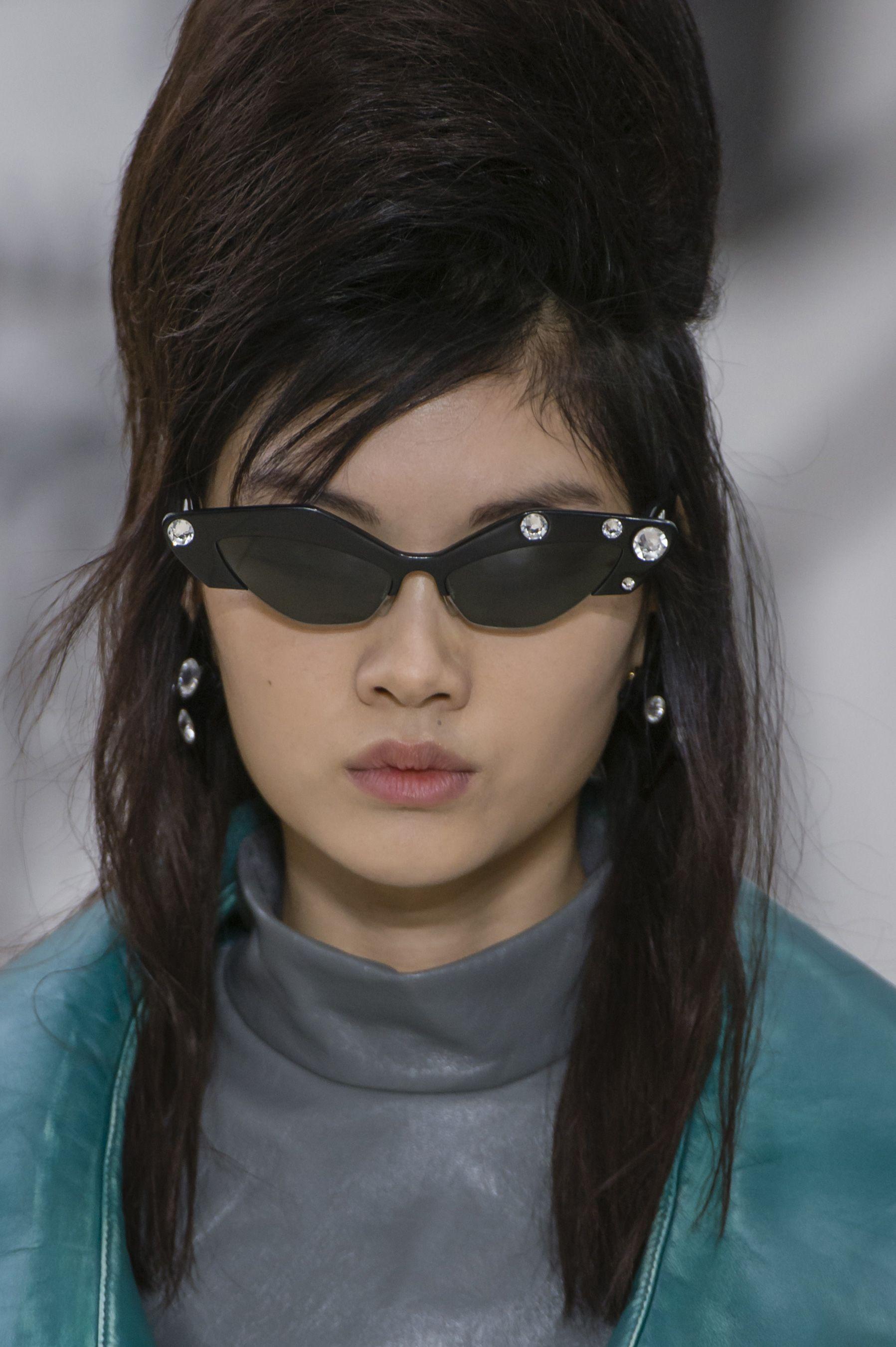 9dac2507620d5 Miu Miu Fall 2018 Fashion Show Details - The Impression | Sun glasses