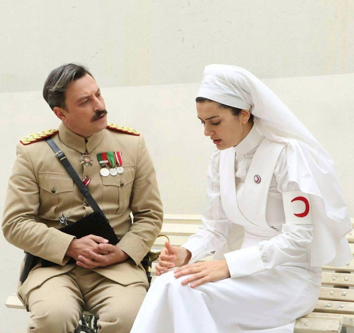 Onur Saylak Berguzar Korel Vatanim Sensin Actors Leonidas Coat