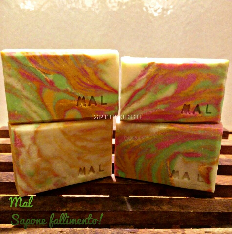 Mal soap (in French it means wrong). Soap failure! It had to be something else... #soap #diy #soap_color #soap_CP #soap_swirl #cp_soap