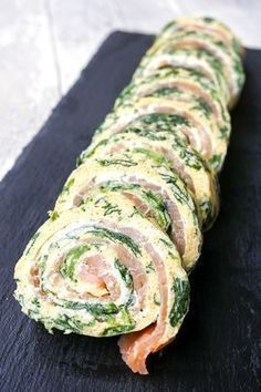 Photo of Low Carb Spinat-Lachs-Rolle zum Silvesterbuffet oder Sonntagsbrunch