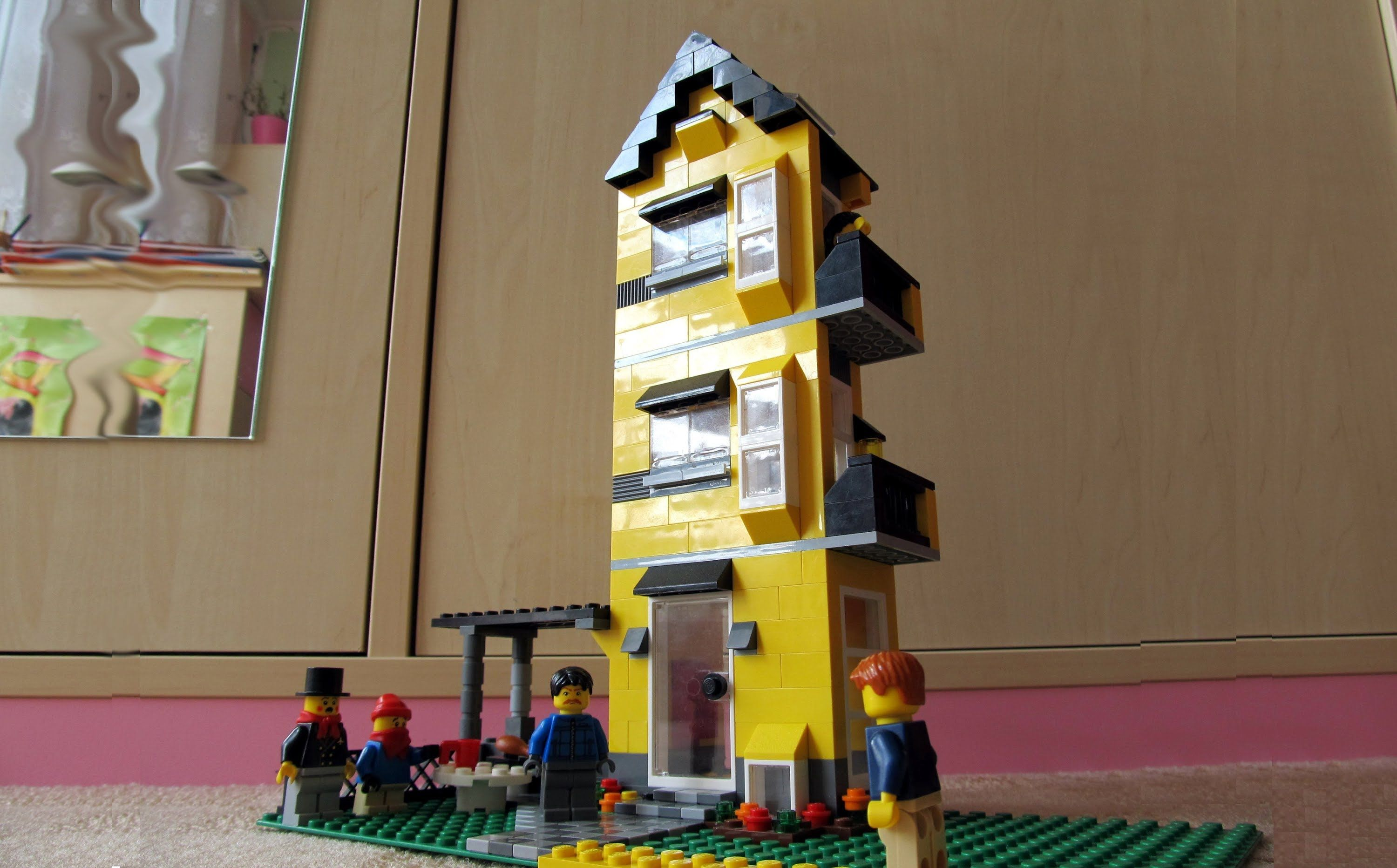 Lego Creator 4996 Apartment Building Review Panelák Youtube