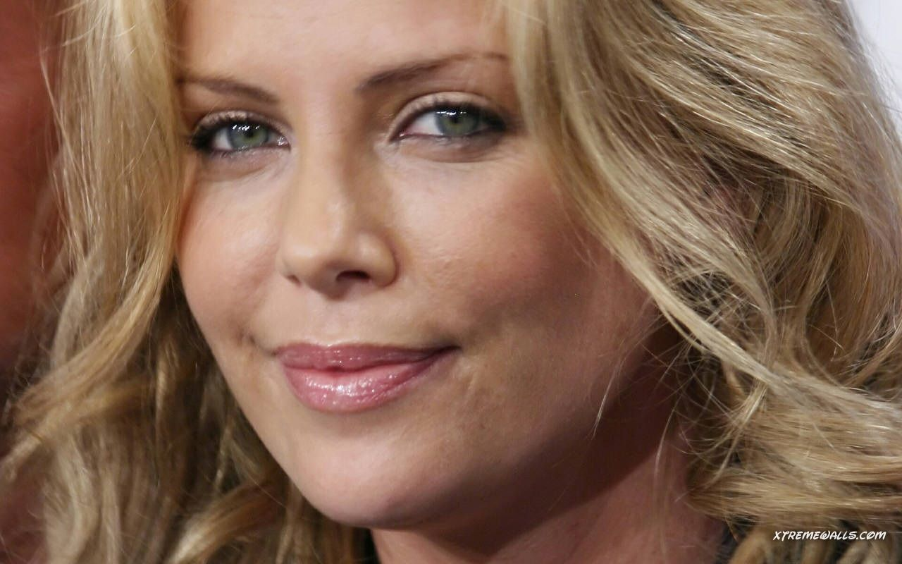 Photos Of Charlize Theron
