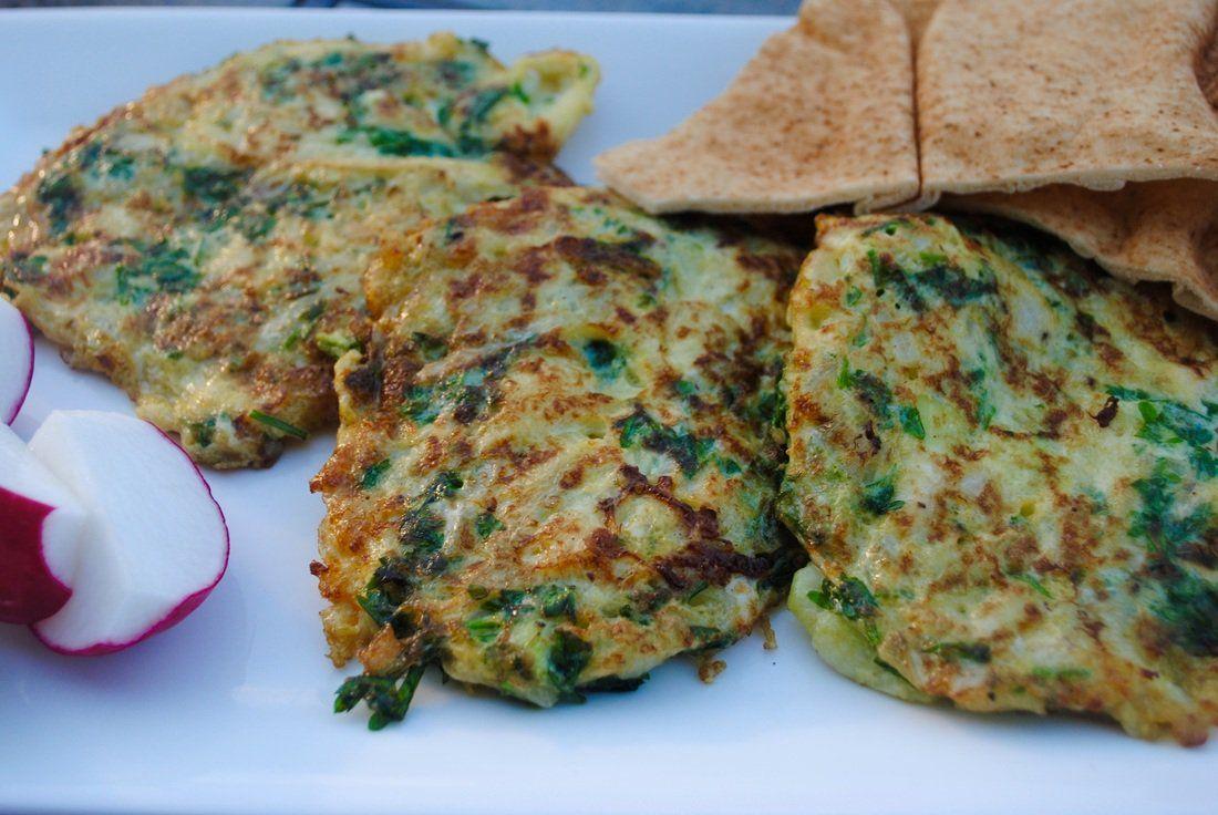 طريقة عمل عجة الكوسا الشامية بالبيض طريقة Recipe Omelets Recipe Recipes Homemade Recipes