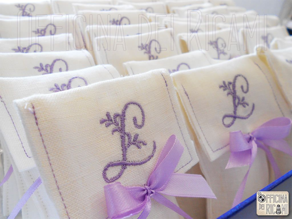 Embroidered favor bags... love!! | bollitos | Pinterest | Favor bags ...