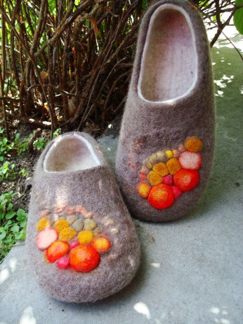 Felted slippers. Brown White.