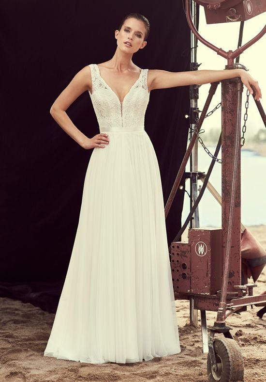 Mikaella Lace and Mesh Tulle Wedding Dress. Plunging neckline bodice ...