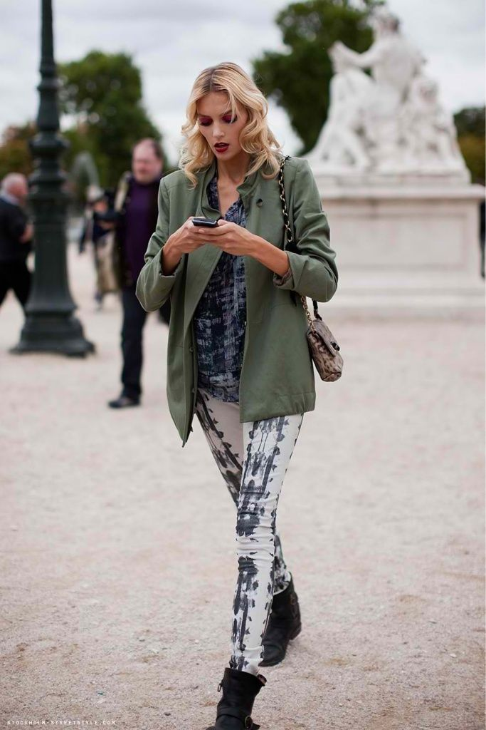 8de0f8a34497dc What to Wear With Leggings: 10 Polished Ways to Style the Tricky Staple    StyleCaster