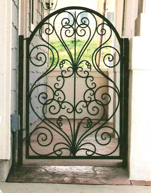 Pin By Ba On Gates Wrought Iron Gate Designs Iron Gate Design Iron Garden Gates