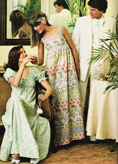 Super Seventies 'Garden print' party and prom dresses in