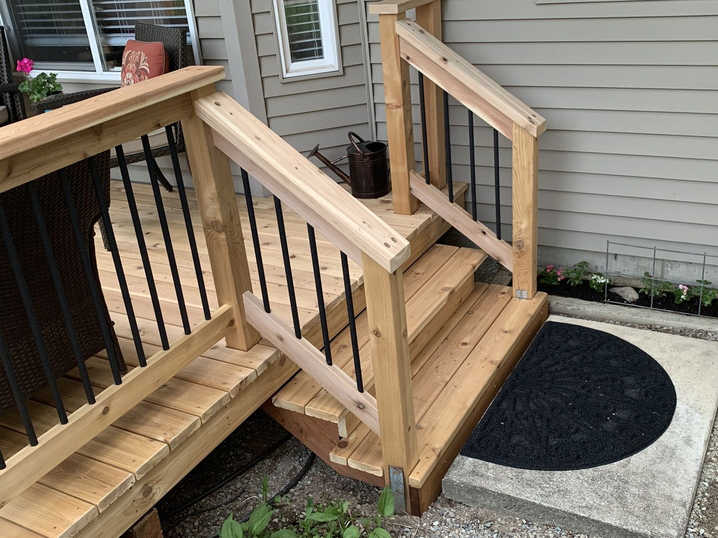 Classic Round Aluminum Balusters By Deckorators Aluminum Balusters Deck Balusters Railing Design