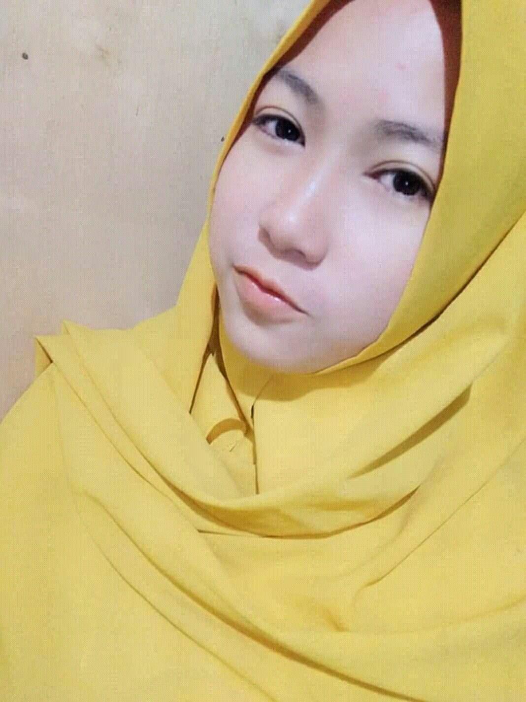 Pin oleh Memanjakan mata Pria di lokal hijab indonesian