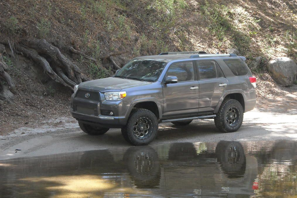 5th gen 4Runner. Perfect for my mountain bike stuff