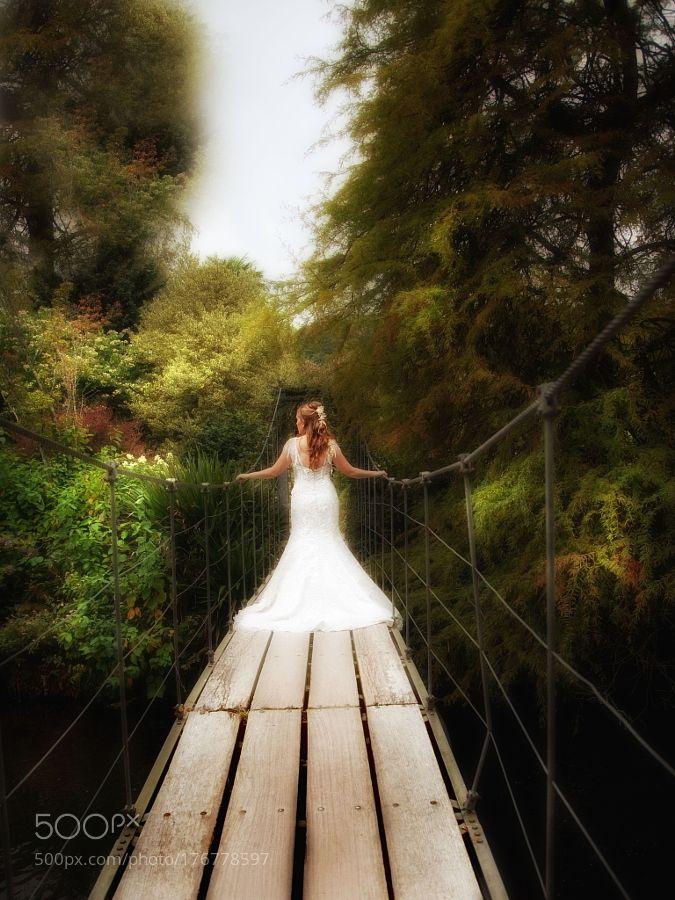 An Autumn bride by janetmeehan